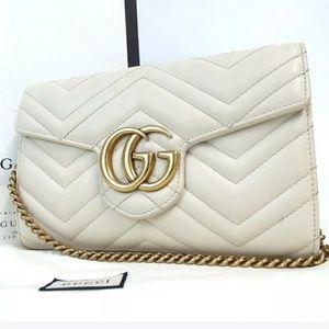 Gucci shoulder bag purse